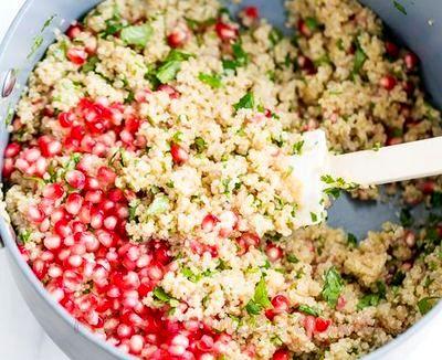 Salata de quinoa cu rodie