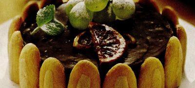 Sarlota_de_ciocolata_cu_stafide