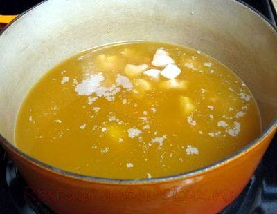 Supa_de_ciuperci_cu_pui_si_curry