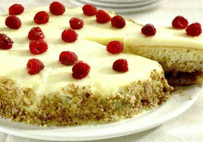 Tort_cu_zmeura_si_nuci
