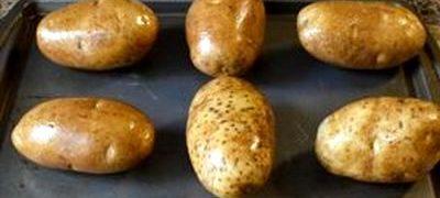 Cartofi copti cu mustar