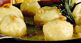 Chiftelute_de_cartofi_in_sos_de_stafide