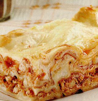 Lasagna cupiept de pui si rosii