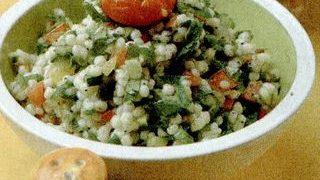 Salata de cuscus cu seminte