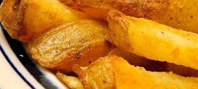 Cartofi cu ardei si ceapa la cuptor