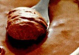 Crema de ciocolata cu alune pralinate