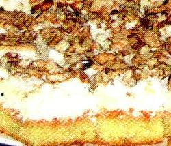 Prăjitură cu brânză, nuci şi struguri