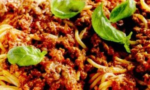 Reteta_spaghete_bologneze_cu_oregano