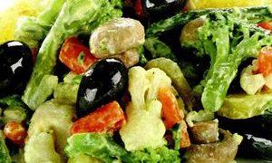 Salata_cu_legume_si_maioneza