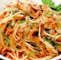 Spaghete cu ciuperci si sos de rosii