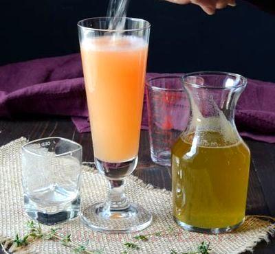 Cocktail cu rom si suc de zmeura