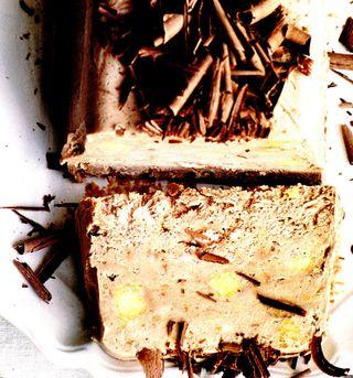 Parfait de banane şi alune de pădure caramelizate