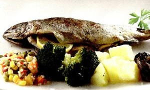 Pastrav_cu_cartofi_si_legume