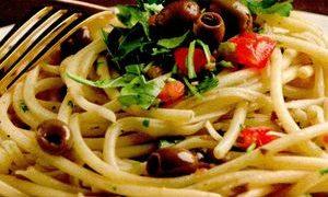 Spaghete cu ansoa si masline