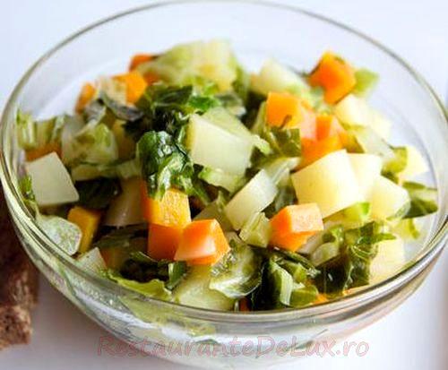 Salata cu legume, masline si marar