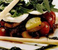 Salata cu sos de rucola