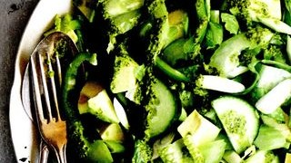 Salata verde cu dressing picant
