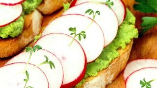 Sandvisuri cu avocado