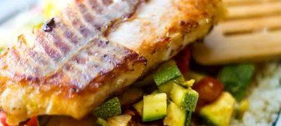 File de somon cu legume si sos de mustar