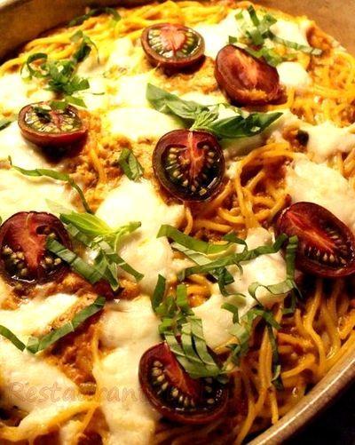 Spaghete_cu_sos_de_rosii_si_mozzarella_03