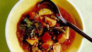 Supa de linte cu cartofi dulci si curry