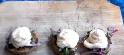 Salata de icre cu ceapa si patrunjel