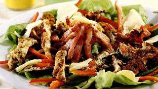 Salata taraneasca cu cascaval