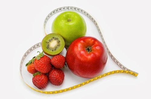 Sucurile pentru copii sunt pline de aditivi și conţin mult zahăr