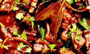 Tocana cu carne de berbecut