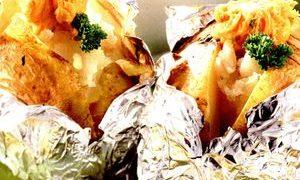 Cartofi_in_folie_cu_unt