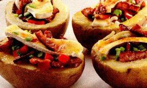 Cartofi_umpluti_cu_bacon_si_camembert