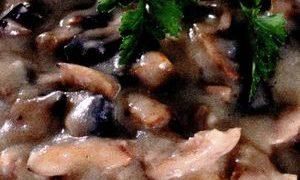 Ciulama de pui cu ciuperci