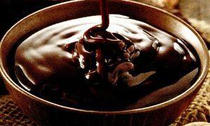 Sos de ciocolata cu vanilie