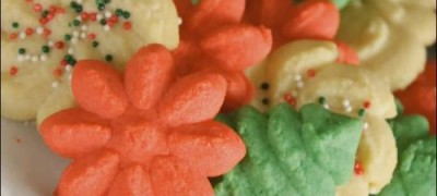 How to Make Spritz Cookies (VIDEO)