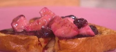 How_to_make_Blueberry_and_banana_french_toast_(VIDEO)