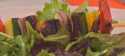 How_to_make_Grilled_vegetable_and_halloumi_skewers_(VIDEO)