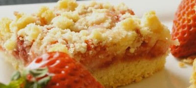 How to make Strawberry Crumb Bars