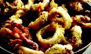 Inele de calamar cu sos chaud-froid