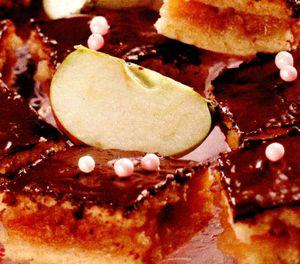 Prajitura cu glazura de caramel