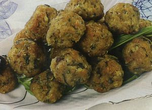 Chiftelute cu sos de pere
