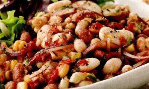 Salata_calda_de_fasole
