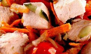 Salata cu pui si branza Feta