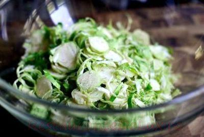 Salata_de_broccoli_cu_varza_de_bruxelles