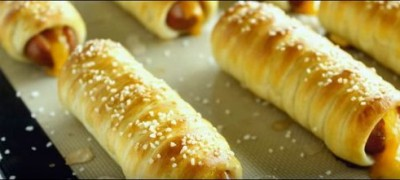 How to make Soft Pretzel Dog (VIDEO)