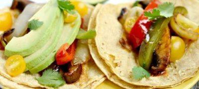 Tortilla cu legume la grătar şi feta