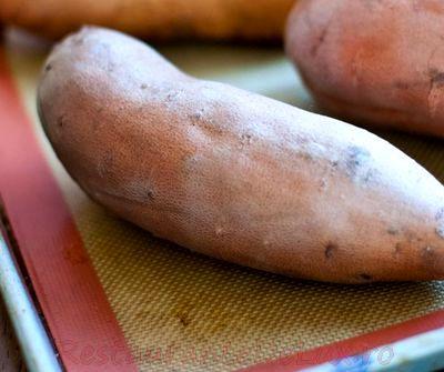 Cartofi copti cu zeama de varza