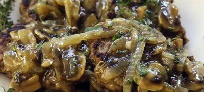 How to Make Tasty Salisbury Steak with Mushrooms