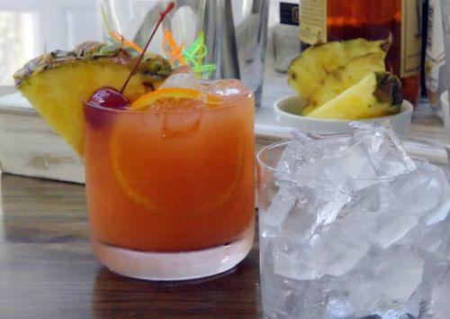 Cum se prepara un Cocktail Mai Tai