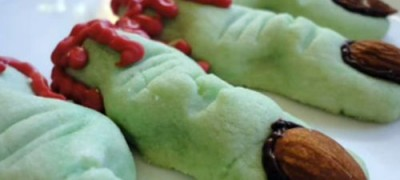 How to make Halloween Cookies: Witches' Fingers