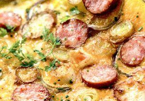 Omleta cu carnati si ciuperci